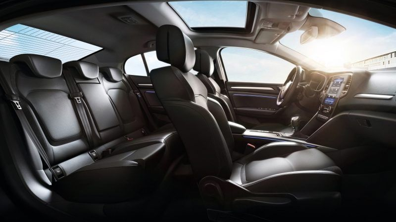 Дизайн інтер'єру нового MEGANE Sedan (Меган Седан)