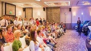 Готелі Radisson Blu та Park Inn by Radisson Ukraine разом із офіційними імпортерами електромобілів в Україні організували E-CAR HUB ІІ у готелі Radisson Blu Hotel, Kyiv.
