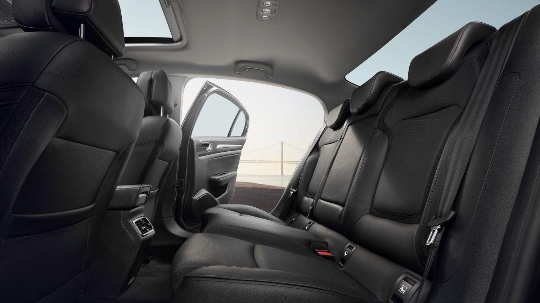 Дизайн інтер'єру нового Renault MEGANE Sedan