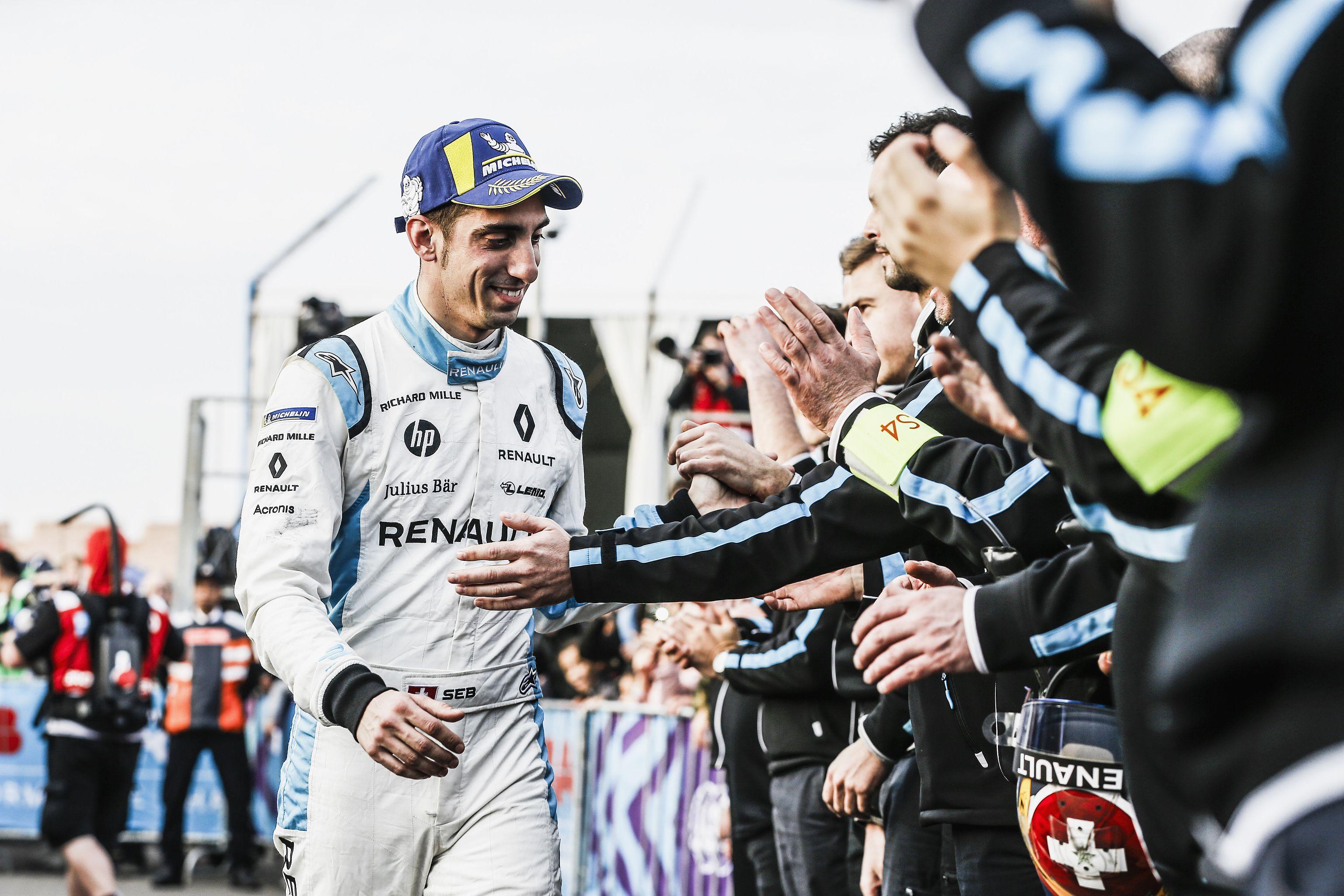 Команда Renault E.dams победно финишировала в Марракеше