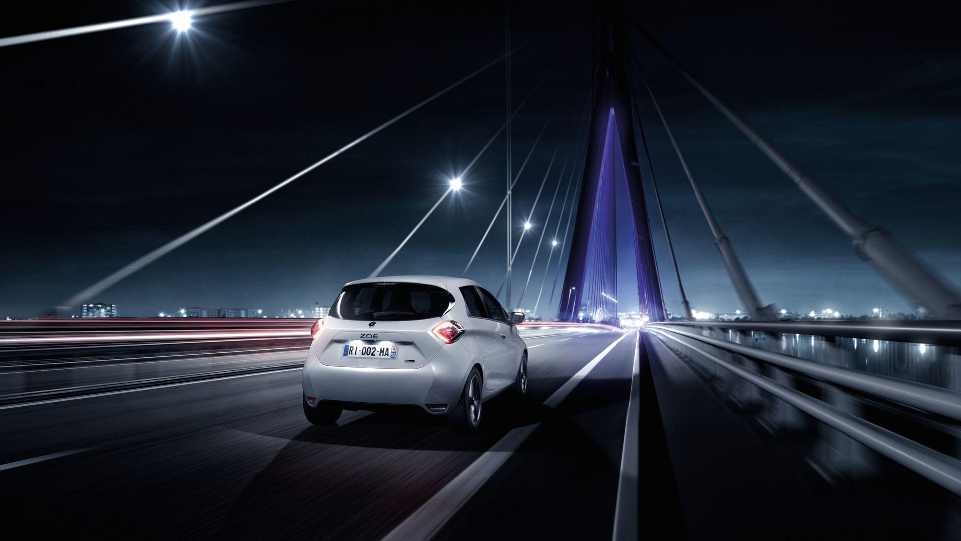 Groupe Renault присоединилась к проекту по развитию инфраструктуры мощных зарядных станций E-via Flex-e