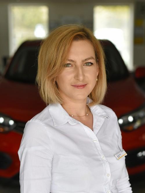 Менеджер з продажу авто: Гриняк Наталія Миколаївна